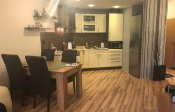 Predaj 2 – izbového komplet zariadeného bytu v novostavbe Žilina aj s garážovým miestom.