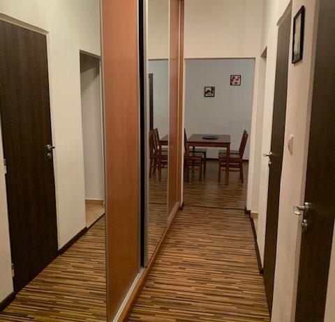 Prenájom komplet zariadeného 2 izb. bytu Žilina – Bulvár.