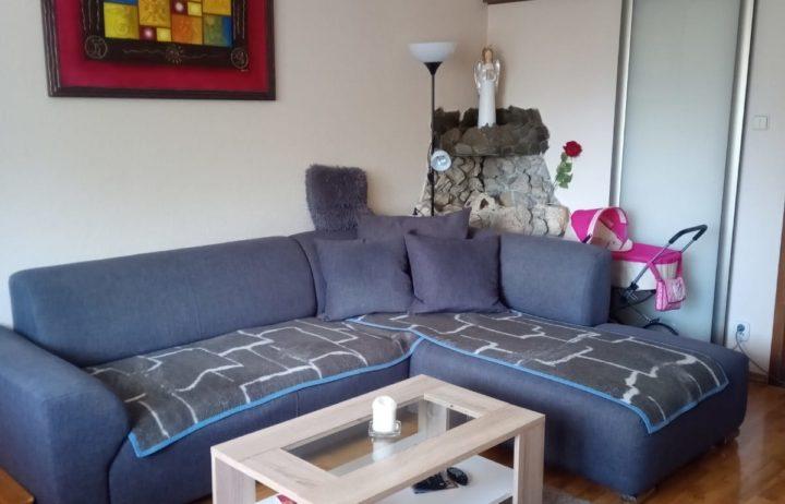 Prenájom komplet zariadeného 3 – izbového bytu Žilina – Solinky o výmere 70m2.